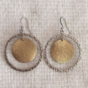 Two-toned round earrings